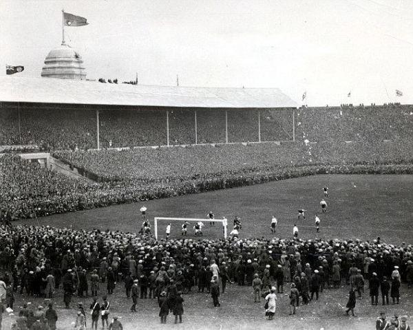 1923-fa-cup-final-48fdfd01-b583-4bce-b427-b70b8e7b1ce-resize-750